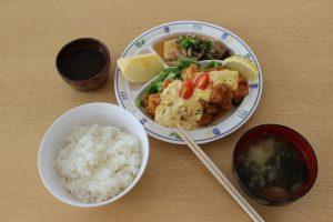 2月13日 いただきま~す! 菅平高原実験所(宿泊棟)の昼ごはん
